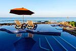 游泳池海景图片