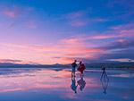 日落海滩拍照人物